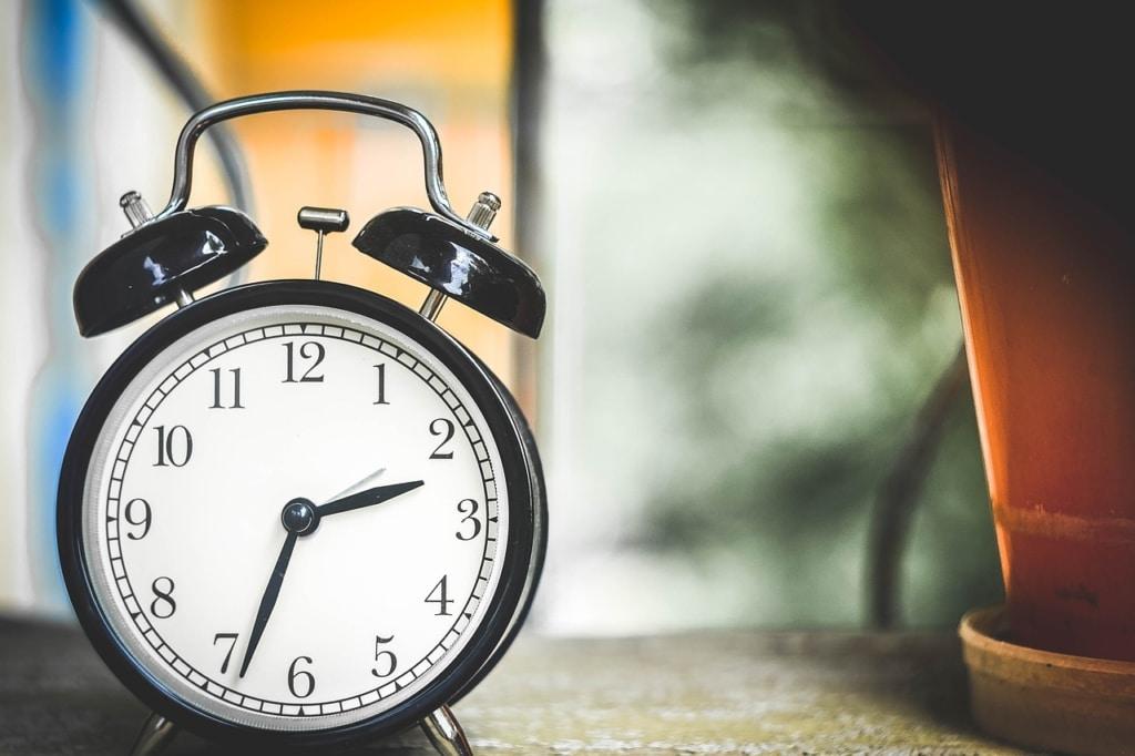 Zeit ist kostbar – Wecker
