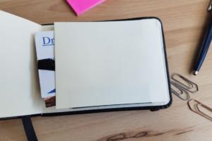 Praktische Taschen für Visitenkarten – Letts of London Sovereign Kalender A7 Flip